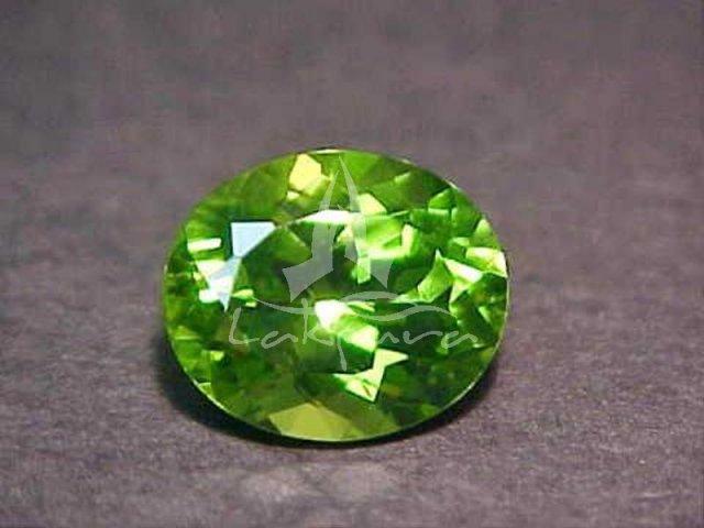 Хризолит камень фото