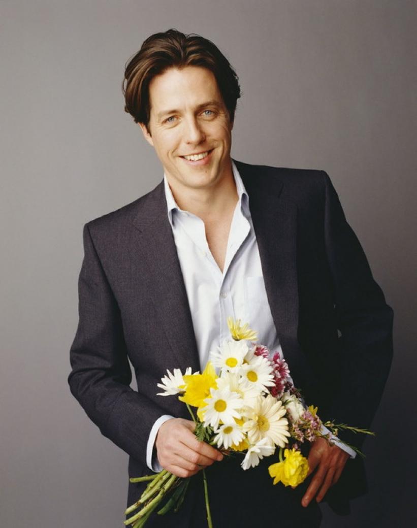 Фото актеров с цветами в руках