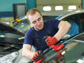 Своевременная замена лобового стекла автомобиля на Citroen