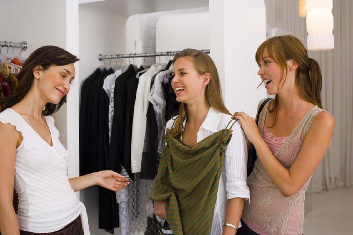 Какая женская одежда пользуется спросом?